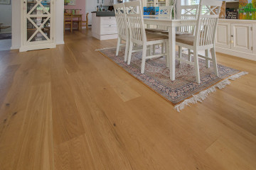 Landhausdiele Eiche Woodlook extra hell