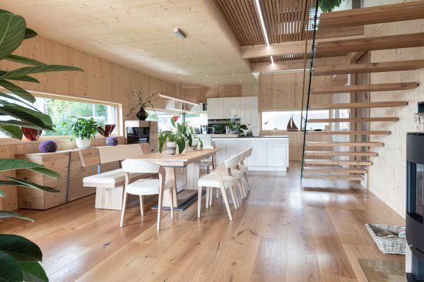 Unsere Top 7 Holzböden für's Esszimmer